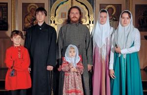 Семья настоятеля храмао.Сергия Лисуренко