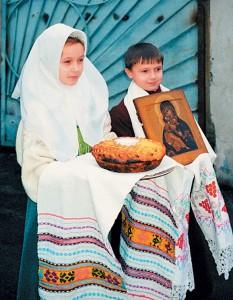Встреча митрополита Алимпия накануне освящения храма, 11декабря 1999г.