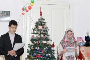 Ведущие детского праздника - чтец Леонид и Анастасия