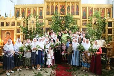 Праздник-святой-Троицы-в-старообрядческом-храме-на-Остоженке_1