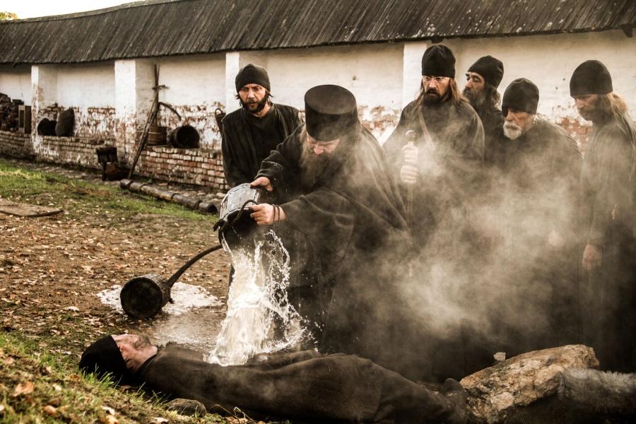 В номинации «Лучший фильм» победил художественный фильм «Монах и бес» режиссера Николая Досталя