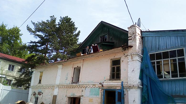 Успенский-храм-Серапионова-монастыря