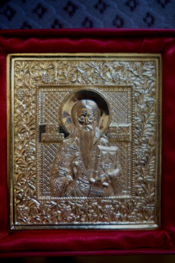 Икона священномученика Аввакума в литом исполнении, которую показал нам Олег Иванович